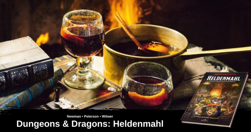 Ein Bild von dem Gericht Zwergen-Glühwein, aus Heldenmahl - Das offizielle D&D Kochbuch. Zu sehen sind ein Topf voll Glühwein wie auch 2 Gläser voll mit Glühwein, dekoriert mit Orangenschalen.