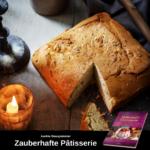 Ein quadratischer Brotlaib, eine Ecke ist herausgeschnitten, links steht eine Kerze im Glas; unten ist Werbung für das Kochbuch Zauberhafte Pâtisserie